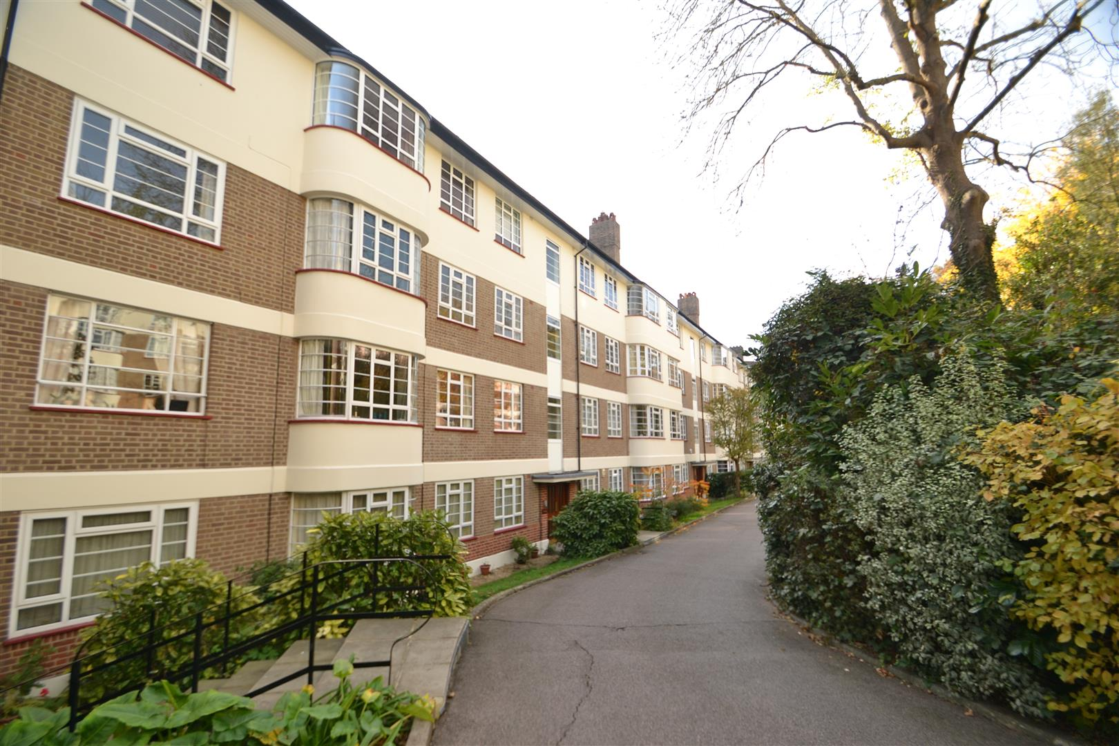Edge Hill Court, Edge Hill, Wimbledon - Andrew Scott Robertson